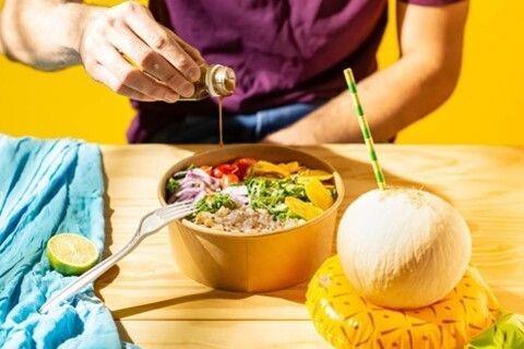 Liv Up lança opções de saladas com sabores cítricos