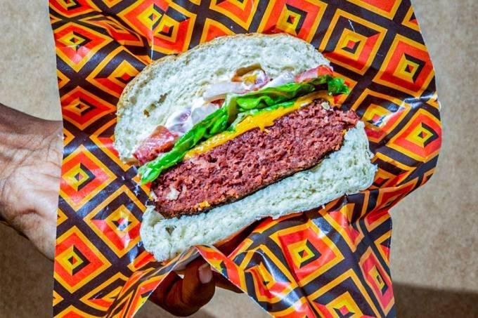 Criador da Devassa lança marca de alimentos veganos
