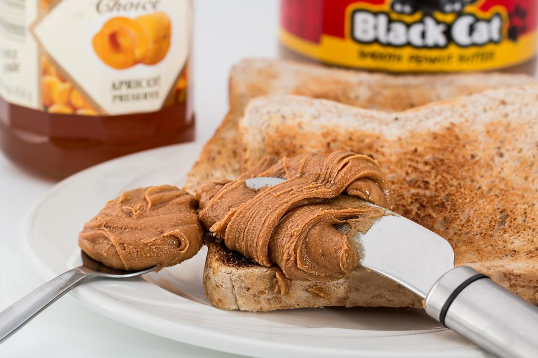 Amendoim saudável: da mesa do bar, à pasta fitness