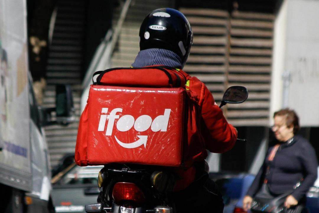 Ifood dobra taxa de entrega para alguns restaurantes
