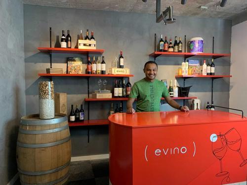 Evino lança loja online para compra ao vivo com sommelier