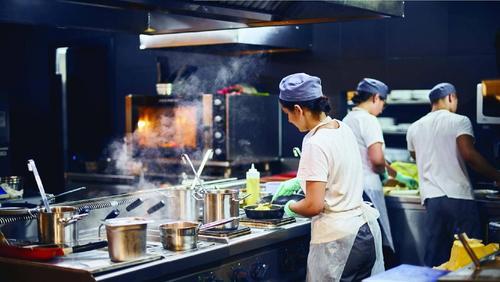 Dark kitchen se torna tendência de redes como Divino Fogão e Boali