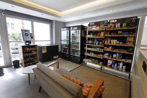 Empresas apostam em mini mercados para edifícios residenciais