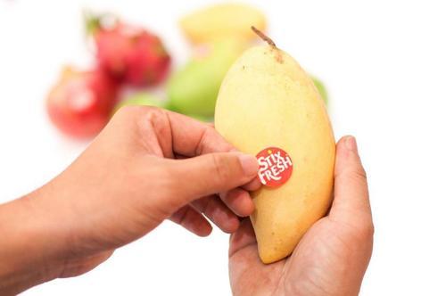 Conheça um simples adesivo que prolonga a vida das frutas