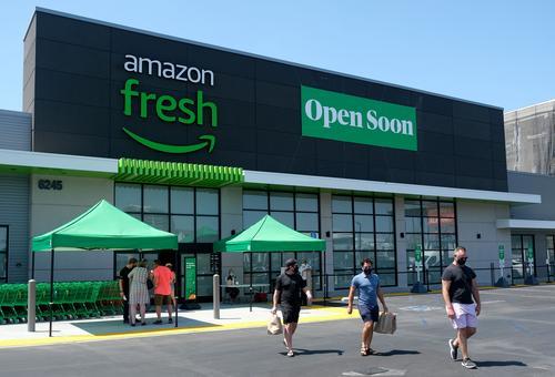 Amazon abre primeiro supermercado fora dos EUA